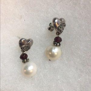 Sterling slvr Freshwater pearl and garnet earrings